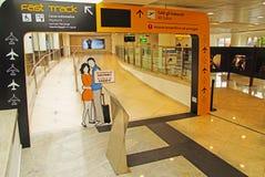 Embarquant à l'aéroport de Capodichino Naples, l'Italie Images stock