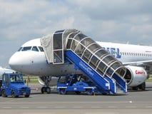 Embarque de Airbus A320 en Ostrava Fotos de archivo libres de regalías