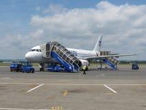 Embarque de Airbus A320 en Ostrava Fotografía de archivo libre de regalías