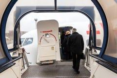 Embarque de um avião Fotos de Stock Royalty Free