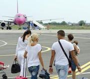 Embarquement au vol de Wizzair Photographie stock libre de droits