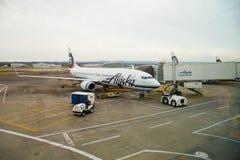 Embarquement de vol d'Alaska Airlines Photo stock