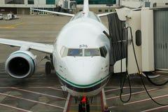 Embarquement de vol d'Alaska Airlines Image stock