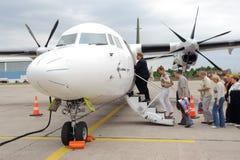 Embarquement sur l'avion baltique de propulseur d'air Photographie stock