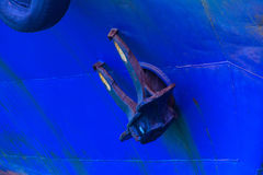 Embarquez l'ancre dans le port d'Odessa le soir images libres de droits