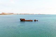 Embarquez l'épave à la côte de l'île d'Aruba Photographie stock libre de droits