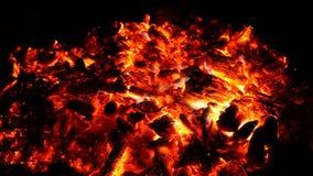 Embers i popióły duży ogień zbiory