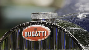 Emblème de bouchon et de capot de radiateur de Bugatti Photographie stock libre de droits