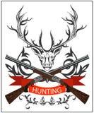 Emblème de chasse, cerf commun décoratif, bande, arme à feu, fusils, ornement floral Photo stock