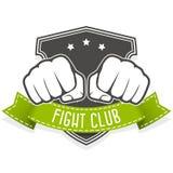 Emblème de club de combat avec deux poings Images stock