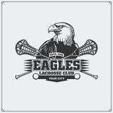 Emblème de club de lacrosse avec la tête d'aigle Image stock
