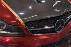 Emblème de Mercedes-Benz sur l'affichage Photos stock