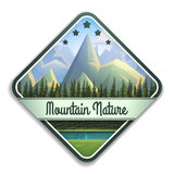 Emblème de nature de paysage de montagne avec la rivière et la forêt conifére d'isolement sur le fond blanc image stock