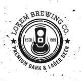 Emblème de vecteur de vue supérieure de canette de bière, label, insigne illustration stock