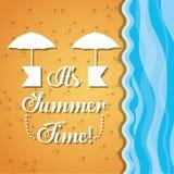 Embleem van een paraplu over het zand en het overzees Royalty-vrije Stock Foto