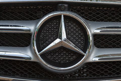 Embleem van Mercedes-Benz Stock Foto's