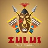 Embleemmalplaatje, vector, Afrikaans masker met spears en trommels Royalty-vrije Stock Afbeelding