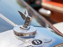 Emblem av den Bentley bilen royaltyfria bilder