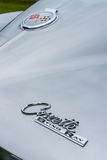 Emblem des Sportautos Chevrolet Corvette Sting Ray Coupe, Nahaufnahme Stockbild