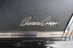 Emblem för Chrysler imperialistiskt kronakupé Royaltyfri Bild
