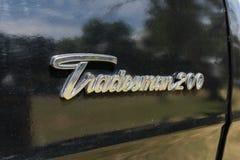 Emblem för Dodge detaljhandlare 200 på skärm Arkivbild