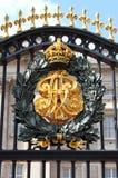 Emblem i Buckingham Palace Arkivfoton