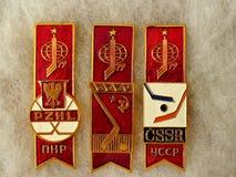 Emblem med inskriften 'Polen, USSR, Tjeckoslovakien, mästerskap 79' för emblemvärldshockey från serien 'världshockey ', royaltyfri fotografi