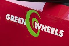 Emblema da empresa da partilha de carro de Greenwheels imagens de stock