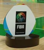 Emblema de FIBA en la arena 1 de Carioca durante la Río 2016 Juegos Olímpicos Imagen de archivo libre de regalías