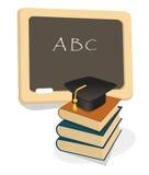 Emblema de la educación con los libros y la tarjeta del mortero Imágenes de archivo libres de regalías