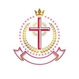 Emblema de oro de Christian Cross creado con la corona real, laurel w Foto de archivo libre de regalías