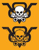 Emblema del motore di V8 con il cranio ed i pistoni Fotografie Stock Libere da Diritti