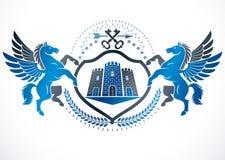 Emblema del vintage creado en diseño heráldico del vector y compuesto usando Pegaso mítico agraciado, llaves de la seguridad y to libre illustration