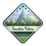 Emblema della natura del paesaggio della montagna con il fiume e la foresta di conifere isolati su fondo bianco Immagine Stock