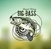 Emblema di Bass Fishing sul fondo della sfuocatura Illustrazione di vettore Fotografie Stock