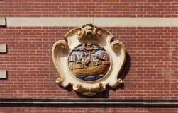 Emblema (escudo de armas) del guardia en la casa de guardia, Amsterdam Ne foto de archivo