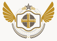 Emblema heráldico decorativo del vector del vintage compuesto con los wi del águila Foto de archivo libre de regalías