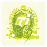 Emblema musical con los auriculares del estudio Foto de archivo libre de regalías