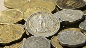 Emblema nazionale sulle monete indiane Fotografia Stock Libera da Diritti