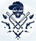 Emblema o logotipo criminal brutal de la cuadrilla con los bates de béisbol agresivos del cráneo y otras armas y elementos del di ilustración del vector