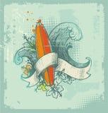 Emblema praticante il surfing disegnato a mano Immagine Stock Libera da Diritti