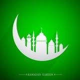 Emblema santamente islâmico da ramadã do mês com lua e mesquita Imagens de Stock