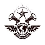 Emblema simple del vector creado usando el ejemplo del planeta de la tierra compuesto con las alas y el equipo de los altavoces P stock de ilustración