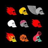 Emblema stabilito del cranio testa del logo del fuoco e dello scheletro Pallacanestro e Fotografie Stock
