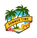 Emblema tropicale di ora legale con il mare e le palme illustrazione di stock