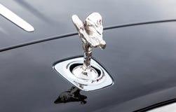 Emblemande av extas på stötdämparen av Rollset Royce royaltyfri fotografi