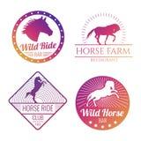 Emblemas coloridos del caballo y de la yegua aislados en el fondo blanco libre illustration