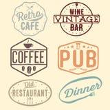 emblemas del café, del pub, del bar de vinos y del restaurante del vintage Fotografía de archivo libre de regalías