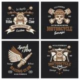 Emblemas o impresiones coloreados motocicleta en oscuridad ilustración del vector