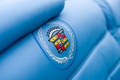 Emblemat w postaci broderii na pokrywie pełnych rozmiarów osobisty luksusowy samochodowy Cadillac Eldorado Zdjęcia Stock